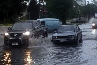 Tras el temporal, Uruguay mantiene el alerta amarilla por fuertes tormentas