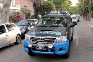 Piden expulsar del país a cuatro colombianos detenidos por robar autos