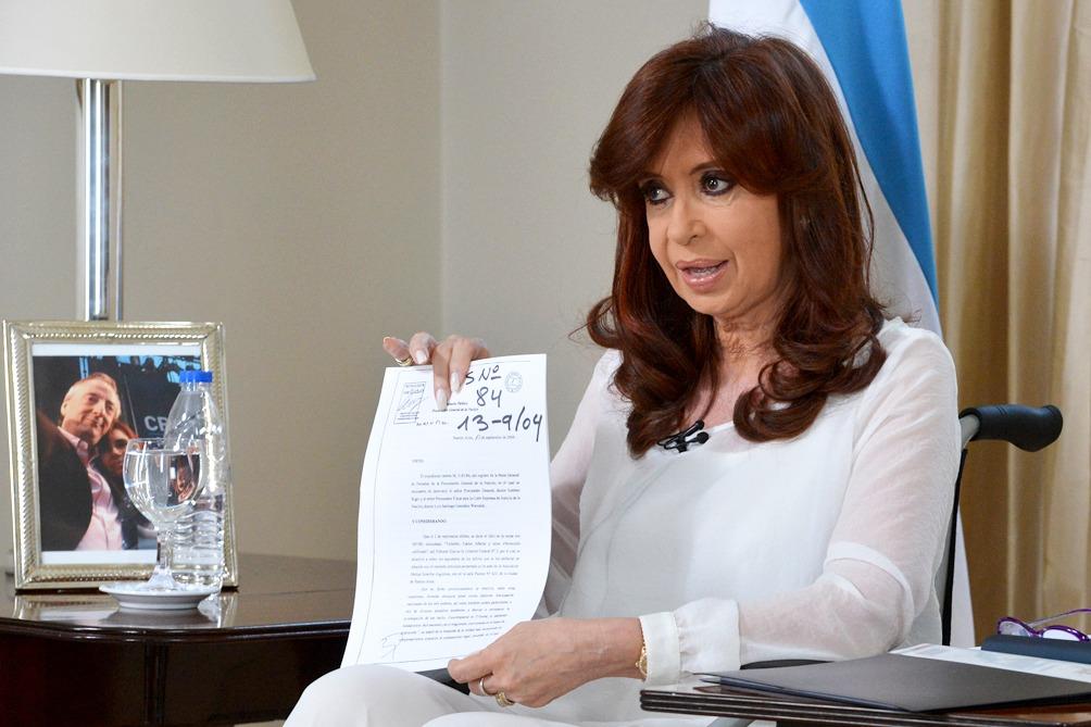 Cristina anunció un proyecto de reforma que disuelve  la Secretaría de Inteligencia