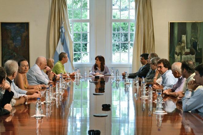 La Presidenta recibió a familiares de las víctimas del atentado a la AMIA en Olivos