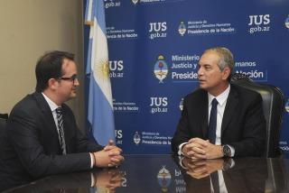 El ministro Alak se reunió con el doctor Roberto Manuel Carlés