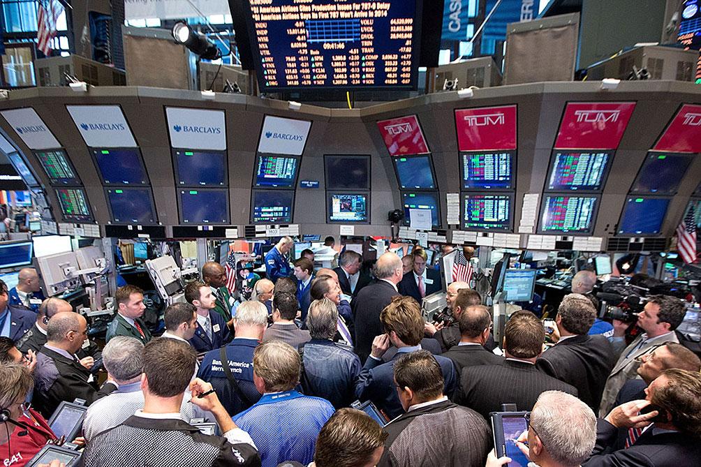 A primera hora, los bonos cortos con legislación extranjera bajan levemente