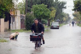 Más de 5.000 evacuados por un nuevo temporal en el centro del país