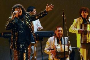 """""""La Mona"""" Jiménez anunció su regreso a los escenarios tras superar una neumonía"""