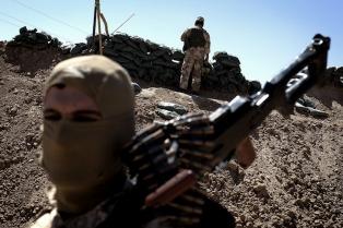 Los kurdos dicen que Turquía bombardea una de sus posiciones en la frontera con Siria