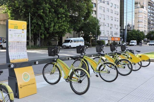 Bicicletas PRO, obviamente, amarillas.