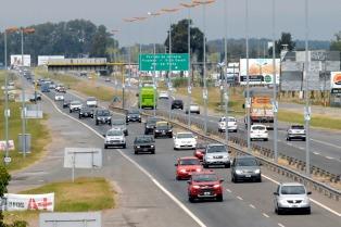 Vidal firmó el traspaso de concesión de rutas de la Autovía 2 y la Ruta 11 al Estado provincial