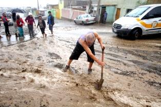 Tres muertos y 3.000 damnificados por un fuerte temporal