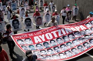 Protestan en México y EEUU a seis meses de la desaparición de los 43 estudiantes de Ayotzinapa