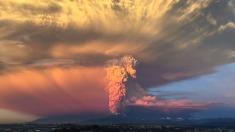 """La nube de ceniza del volcán Calbuco """"cubre el 60% de Río Negro"""""""