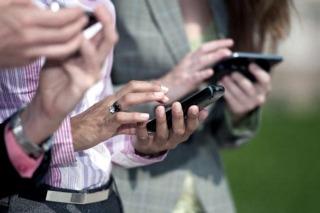 La CNC multó a Movistar por los cambios en los planes de celular