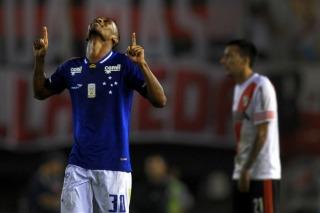 River cayó a manos del Cruzeiro en Núñez y quedó al borde de la eliminación