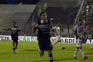 En un apasionante partido en El Bosque, Gimnasia derrotó a Quilmes