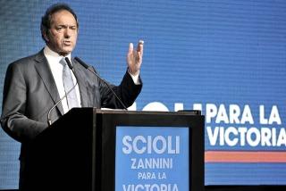 Scioli elogió a Fernández y a Domínguez en diferentes actos en la provincia