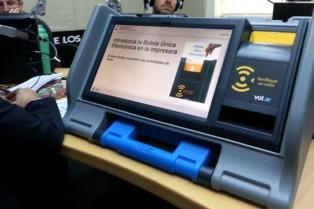 """El Gobierno aspira a sancionar la reforma electoral en marzo con """"distritos de prueba"""" para 2017"""