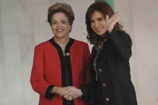 """Cristina Kirchner y Dilma Rousseff inauguran mañana en Ferro la """"contracumbre"""""""