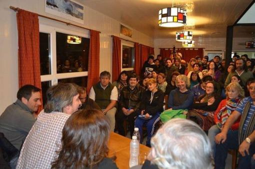 Máximo Kirchner, en campaña, estuvo en la localidad de El Chaltén