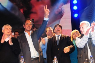 Scioli recibió apoyo sindical y dijo que cuidará el poder adquisitivo