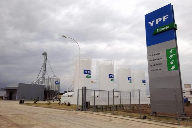YPF suma mil millones de litros de combustible por año