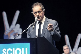 """Scioli repudió la """"brutal represión"""" y le recomendó a Macri no """"arengar"""""""