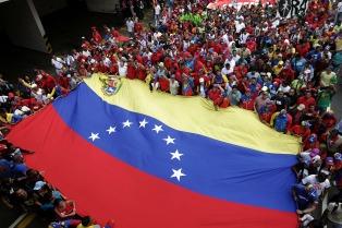 El chavismo también saldrá a las calles el 23 y descartó elecciones anticipadas