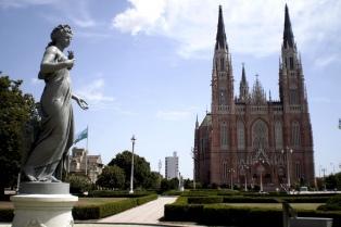 La Plata ya tiene conectividad gratuita en espacios públicos