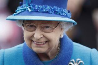 Isabel II celebra sus 65 años en el trono
