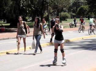 Un domingo templado y a pleno sol en la ciudad de Buenos Aires