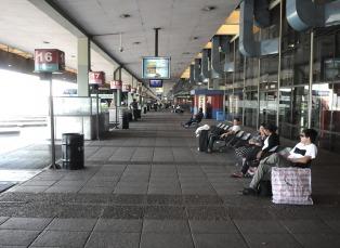 Demoras en la terminal de Retiro por una falsa amenaza de bomba