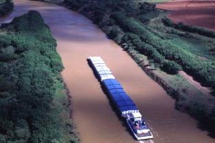 Capitanich le propuso a Santa Fe dar un mayor impulso a la hidrovía Paraná-Paraguay