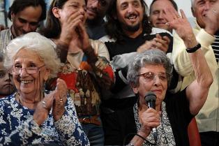 Las Abuelas de Plaza de Mayo, otra vez candidatas al Nobel de la Paz