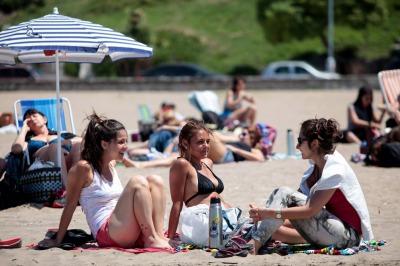 El sector turístico avala el proyecto que elimina los feriados puente y aumenta la cantidad de fines de semana largos
