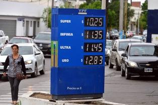 El consumo de combustibles tocó en 2016 los niveles mínimos de los últimos 5 años