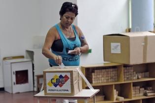 El chavismo gana los comicios municipales, marcados por una masiva abstención