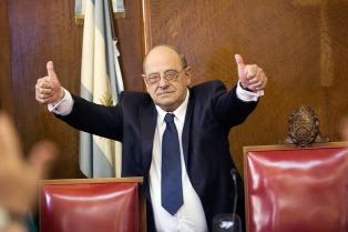 El intendente de Mar del Plata señala que no tiene medios de control para autorizar fiestas electrónicas