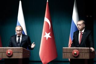 Putin se disculpa con Erdogan por el bombardeo que mató soldados turcos