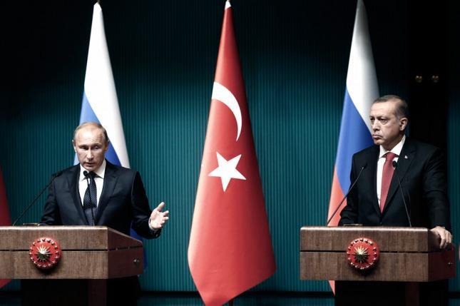 Putin expresa pesar a Erdogán por muerte de soldados turcos