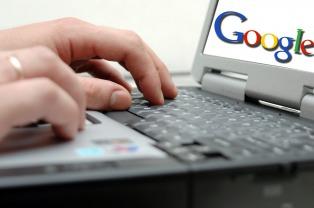 El 90% de los adolescentes usa el primer link que les aparece en Google para hacer la tarea