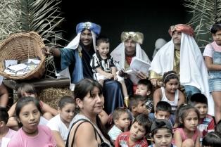 Los Reyes Magos comenzaron su recorrida por Buenos Aires en Plaza Italia