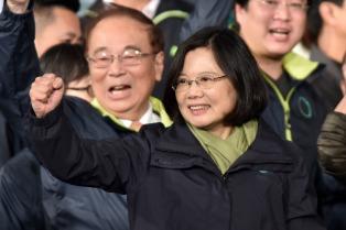 Renuncia el canciller taiwanesa y la presidenta Tsai Ing-wen culpa a China