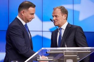 Tusk convoca a los polacos para evitar ser marginados de la Unión Europea