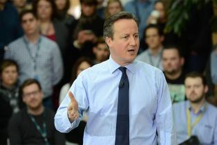 Cameron reaparece y sugiere un segundo referéndum sobre el Brexit
