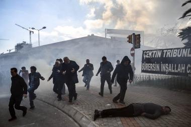 La policía turca reprime una manifestación en Estambul