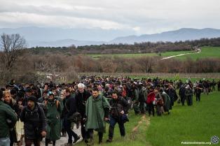 Grecia implantará tarjetas electrónicas con datos biométricos para refugiados