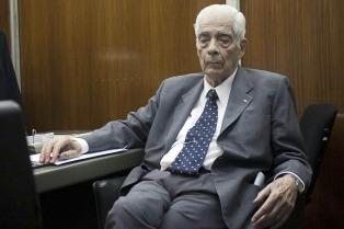 El represor Luciano Benjamín Menéndez pidió el 2x1