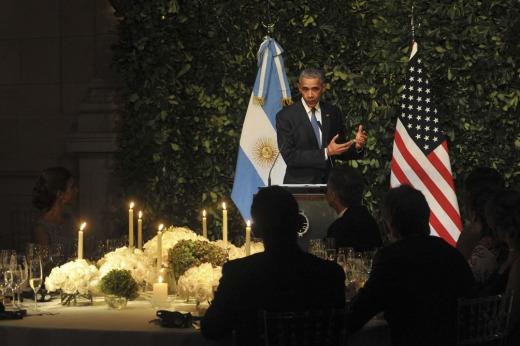 Obama homenajea a víctimas del terrorismo de Estado en el Parque de la Memoria