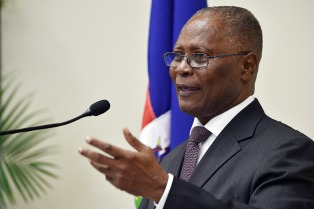 El presidente interino dijo que la inestabilidad es el peor enemigo