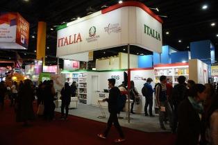 Los países muestran su identidad, idioma y cultura en la Feria del Libro