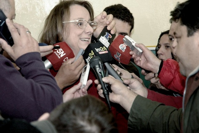 Caos en Santa Cruz: marchan contra Alicia Kirchner porque no pagó salarios