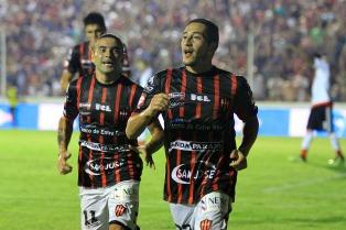 Patronato salvó la categoría al derrotar a Sarmiento